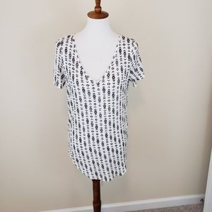 Black White Tribal Print Aztec V Neck Tunic Shirt
